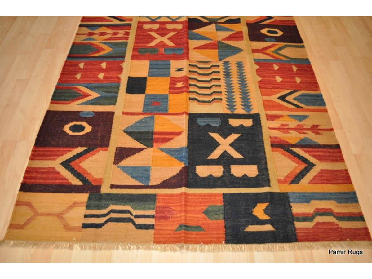 Elegant handmade kilim rug perfect rug for under dining for Kilim designs