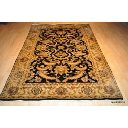 Elegant Rug, Black Background 5' X 8' Traditional Carpet