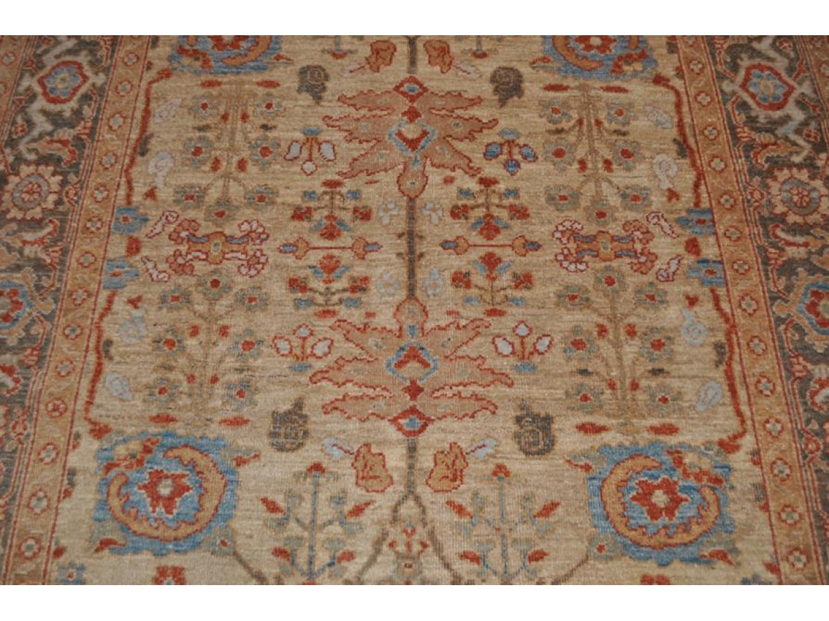 Authentic Persian Mahal Made Out Of 100 Natural Wool