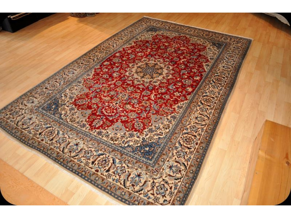 Fine Quality Authentic Genuine Persian Nain Rug Made Out