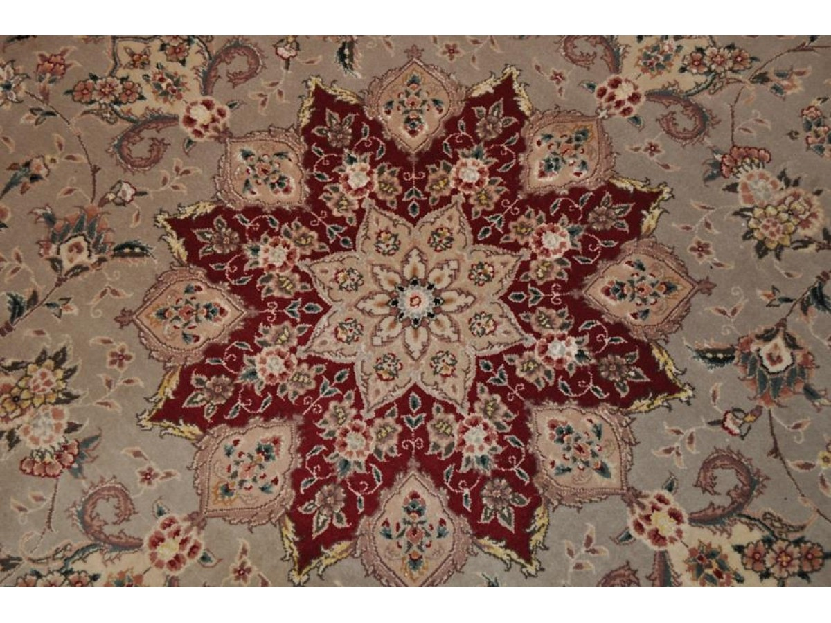 7 X 7 Round Persian Rug Floral Made Out Of 100 Natural