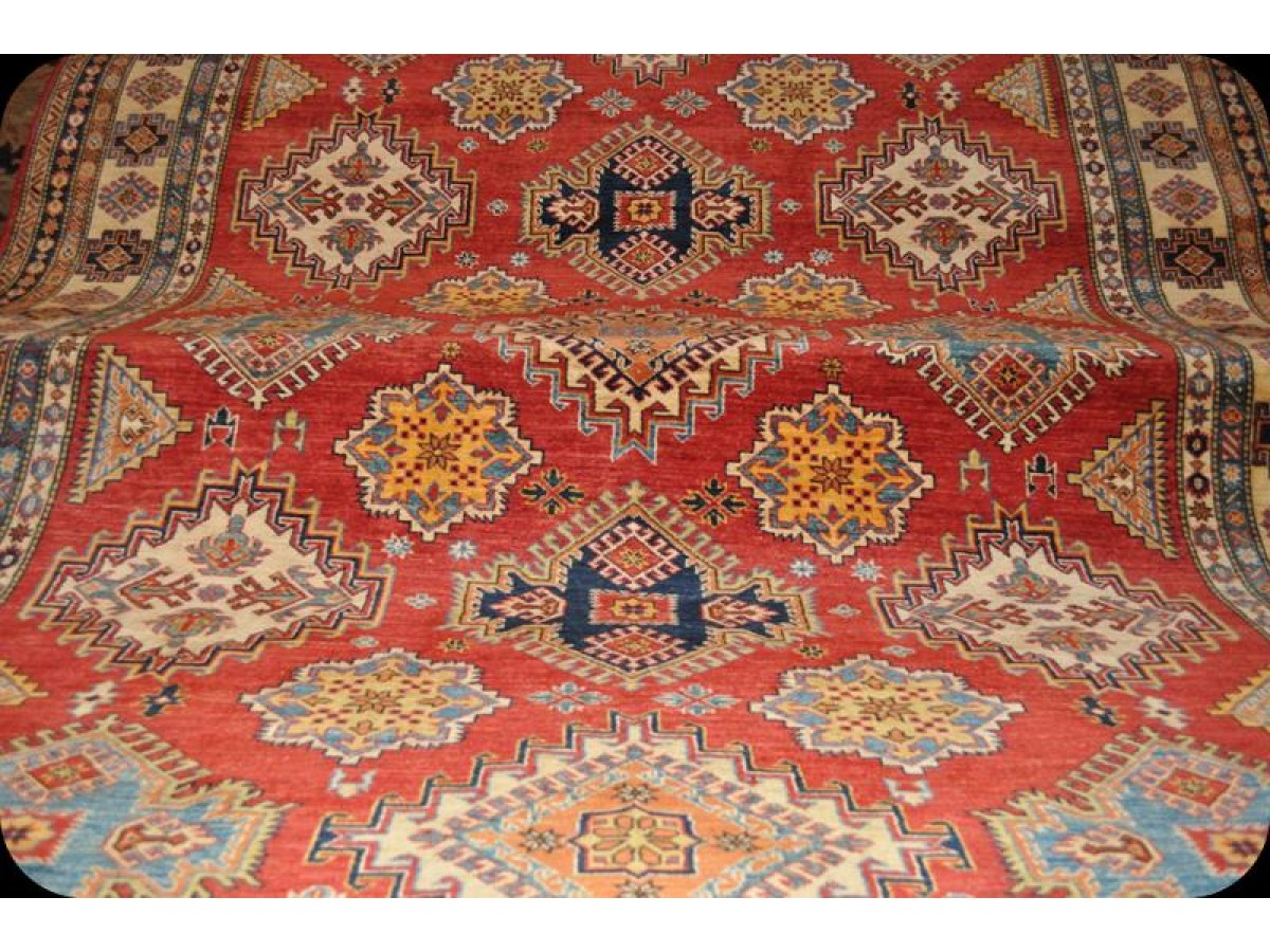 11 X 8 Handmade Caucasian Design Kazak Rug With Red Background