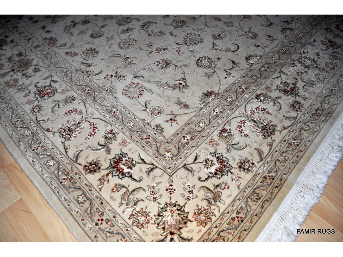 8 X 10 Wool And Silk White Background Persian Tabriz Design Rug