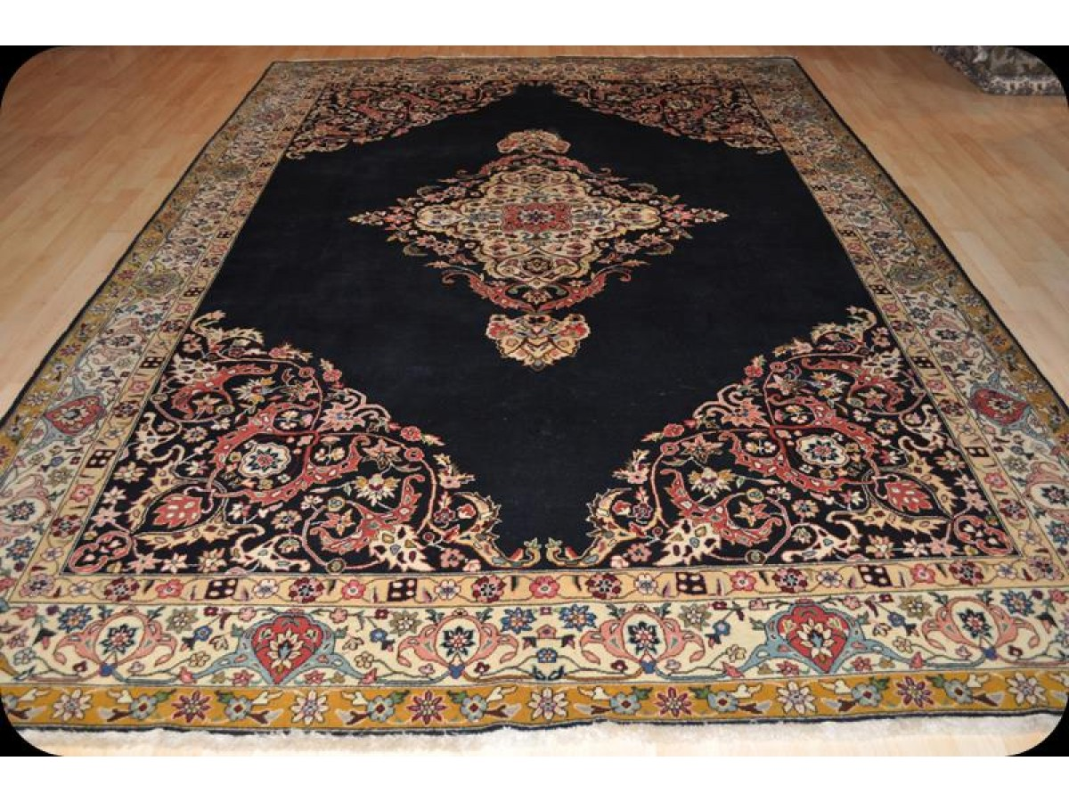 Beautiful Blue Background Handmade Knotted Persian Traditional Area Rug