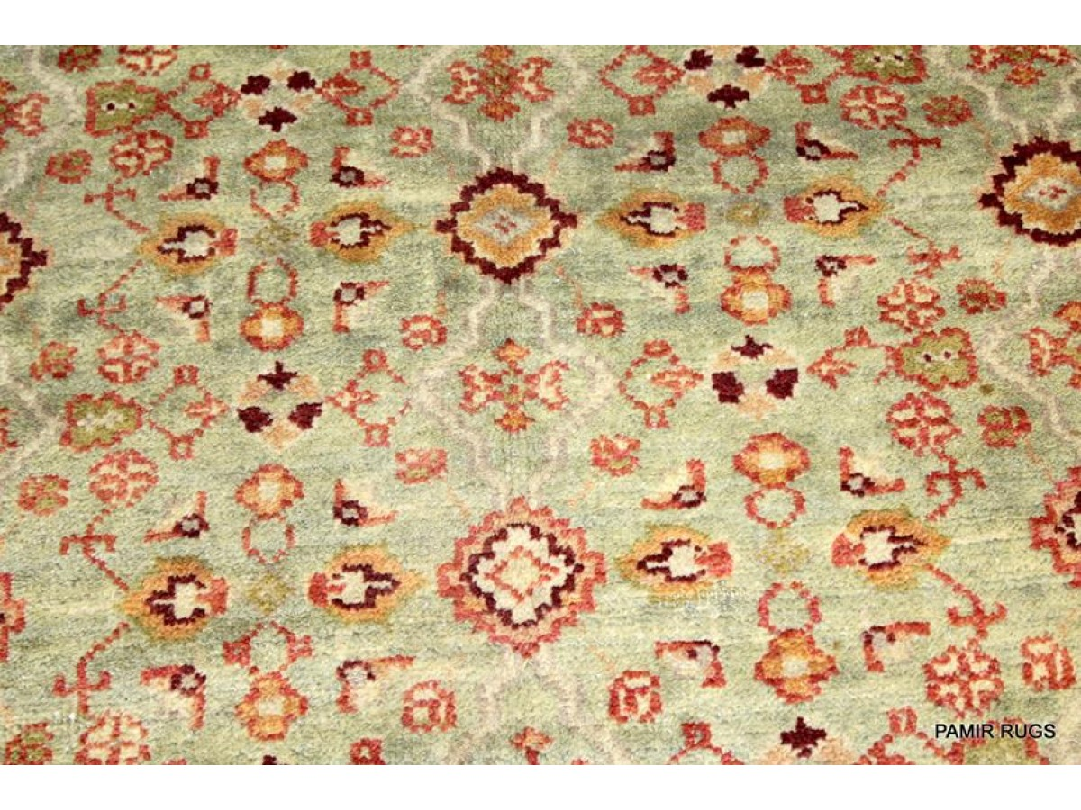 Elegant Handmade Rug With Soft Wool And Soft Colors Made Out Of