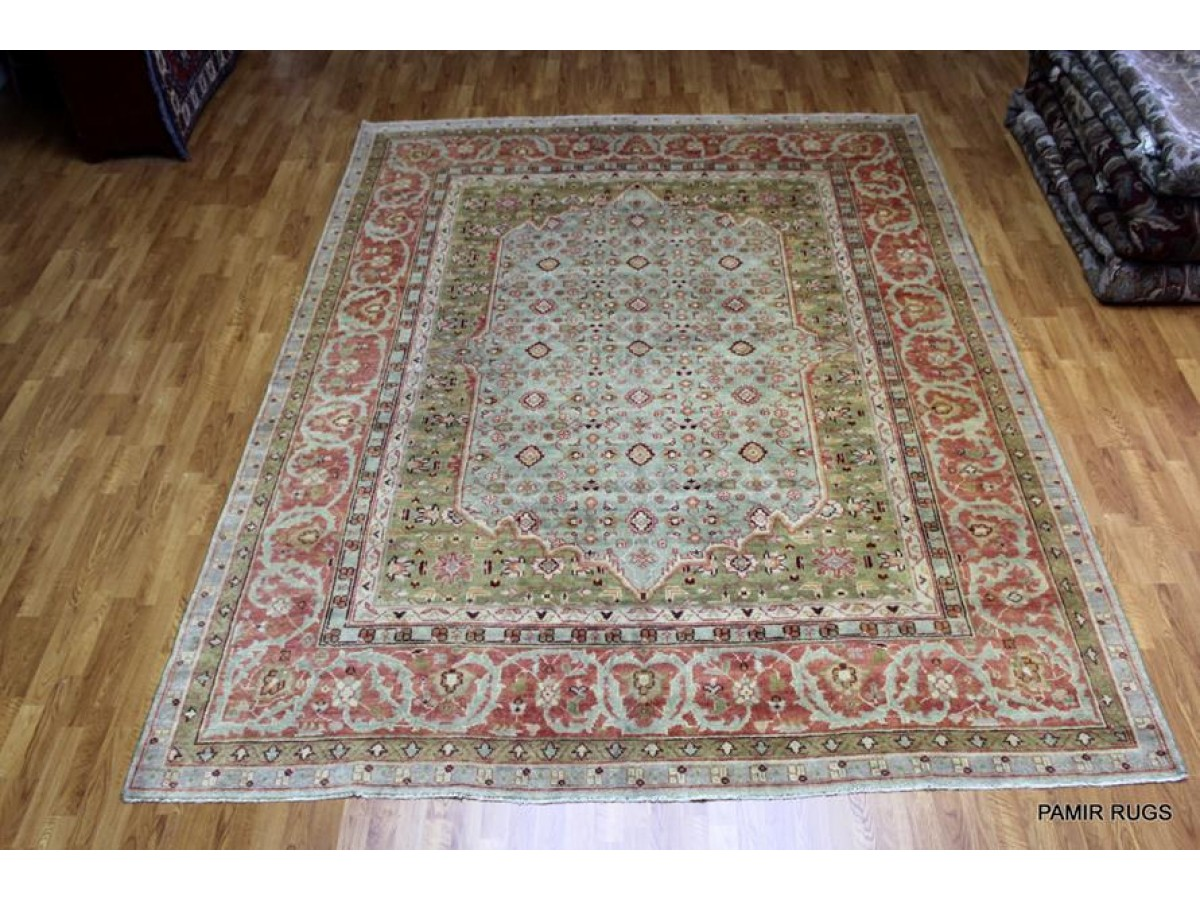 Elegant Handmade Rug With Soft Wool And Soft Colors Made